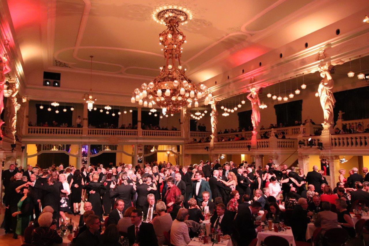 Neujahrsball der Tanzschule Kießling - die Tanzgesellschaft
